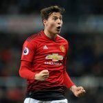 Lindelof signs new Manchester U contract